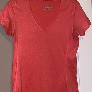 UNDER ARMOR  workout top Large